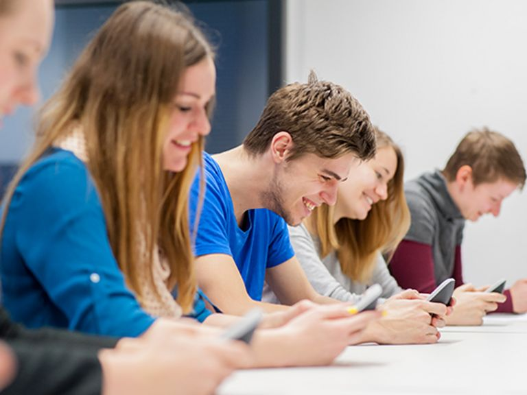 classEx - Smartphone gives classes in strategic thinking